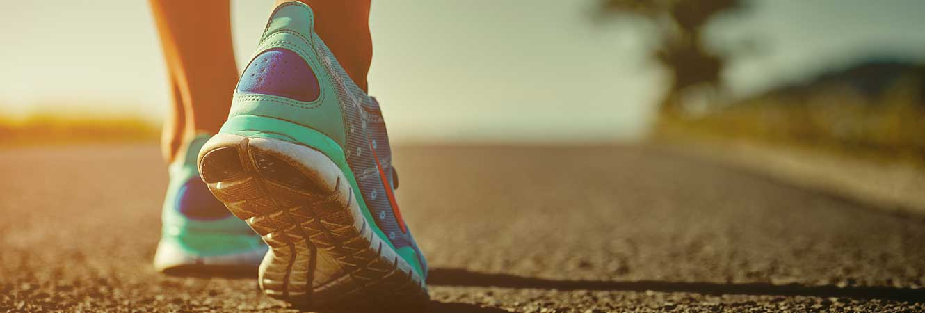 Woman's Running Shoes Header Graphic Image